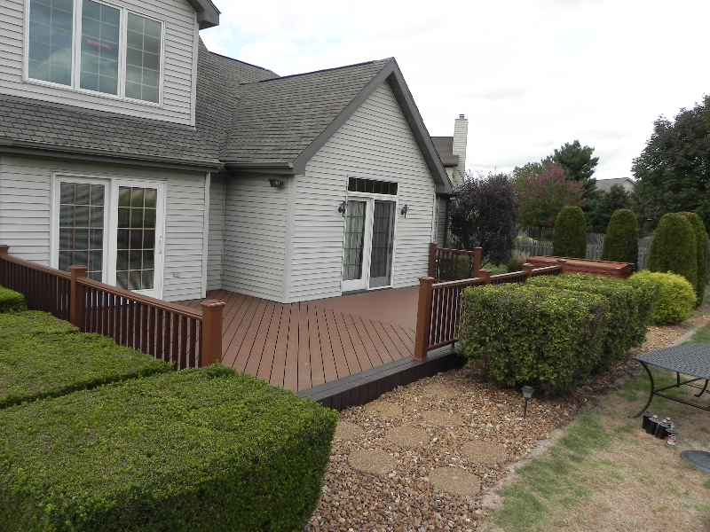 deck with bushes for privacy