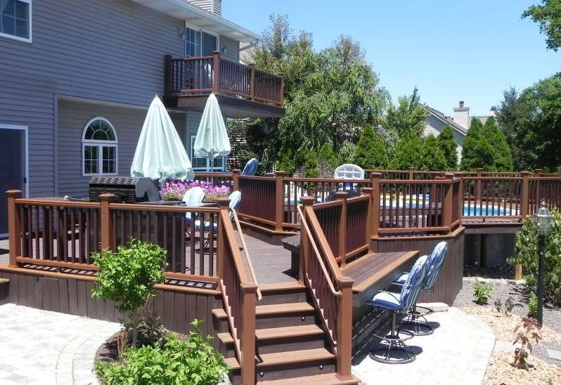 Custom deck Peoria Illinois
